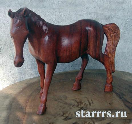 loshad_zelyonaya_derevyannaya_horse_green_wooden